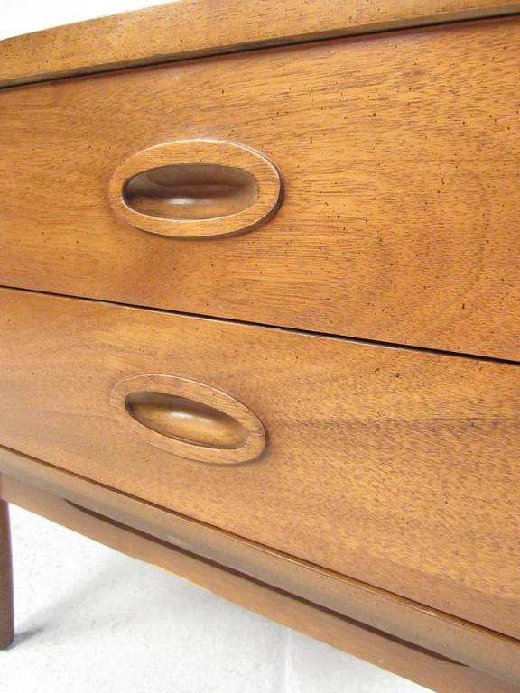 American Mid Century Nightstand By Dixie Furniture Co. For Sale