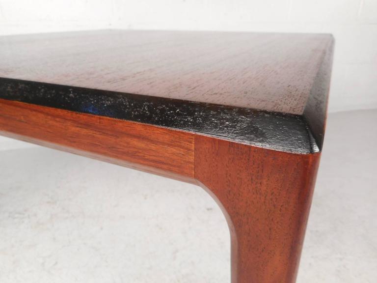 Mid-Century Modern Walnut Coffee Table For Sale 1