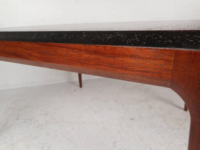 Mid-Century Modern Walnut Coffee Table For Sale 2