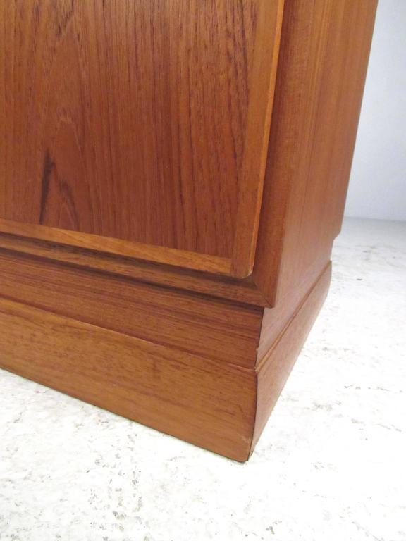 Scandinavian Modern Teak Storage Cabinet In Good Condition For Sale In Brooklyn, NY