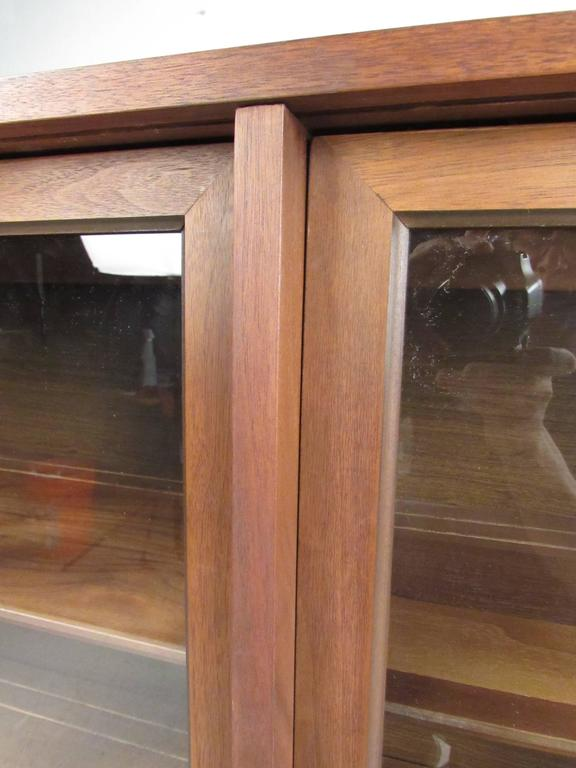 Vintage Walnut China Cabinet or Bookcase In Good Condition For Sale In Brooklyn, NY