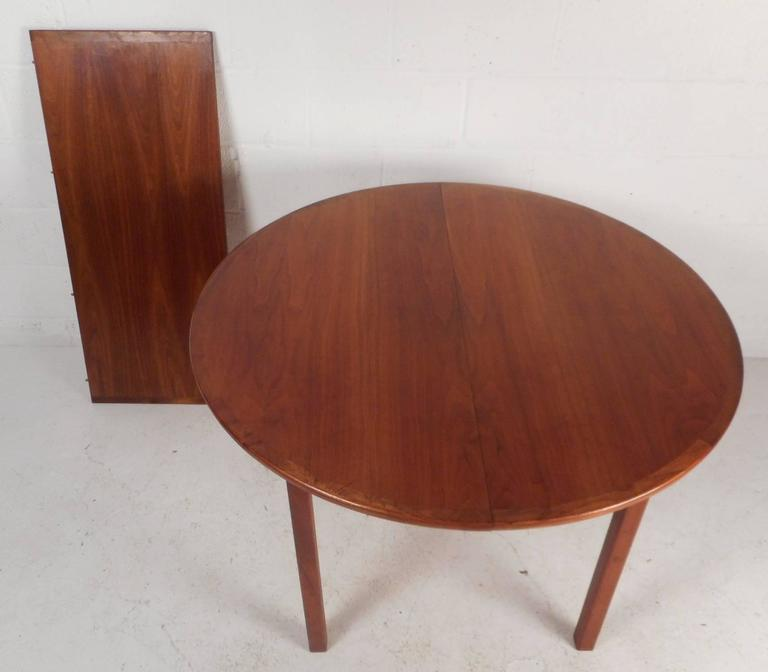 Stylish Mid Century Modern Walnut Dining Set For Sale At 1stdibs