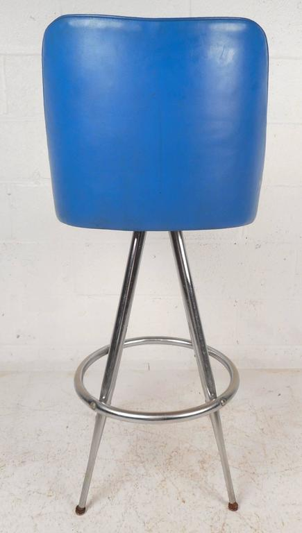 Late 20th Century Set of Four Mid-Century Modern Swivel Bar Stools by L & B Products Corporation For Sale