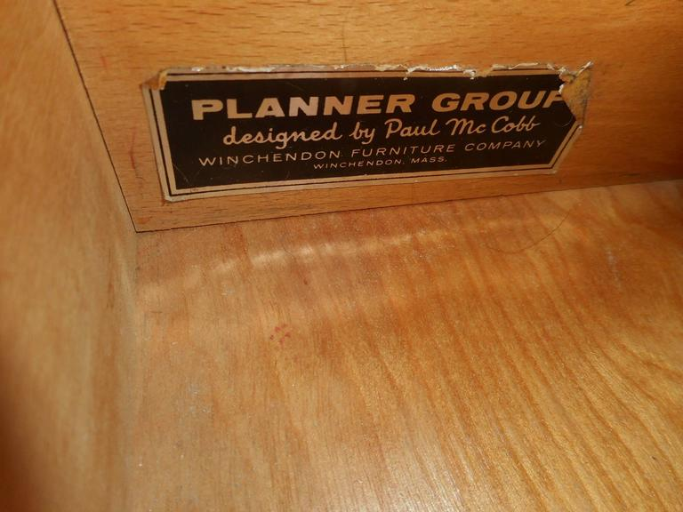 Pair of Mid-Century Modern End Tables by Paul McCobb for Planner Group For Sale 3