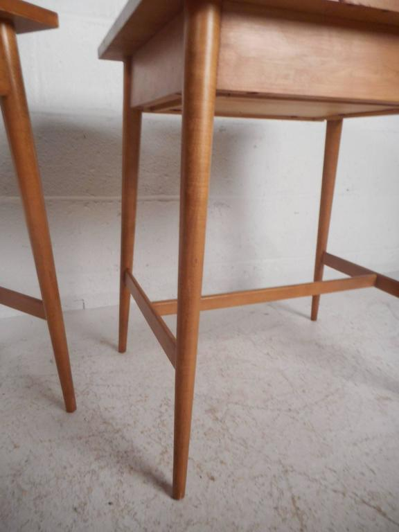 Pair of Mid-Century Modern End Tables by Paul McCobb for Planner Group For Sale 2
