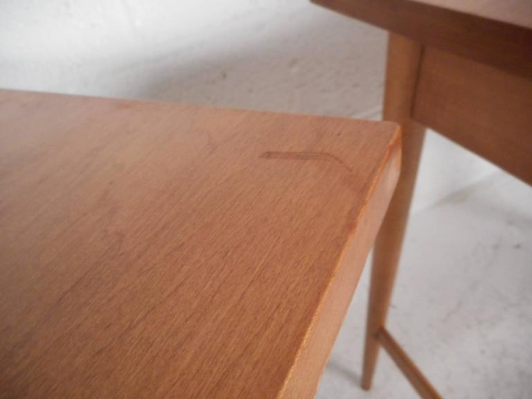 Pair of Mid-Century Modern End Tables by Paul McCobb for Planner Group For Sale 4