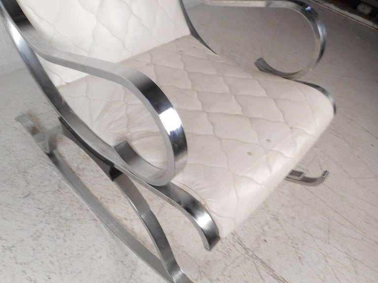 Mid-Century Modern Leather and Chrome Rocking Chair For Sale 2