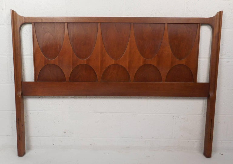 Late 20th Century Impressive Mid-Century Modern Walnut Bed Room Set by Broyhill Brasilia For Sale