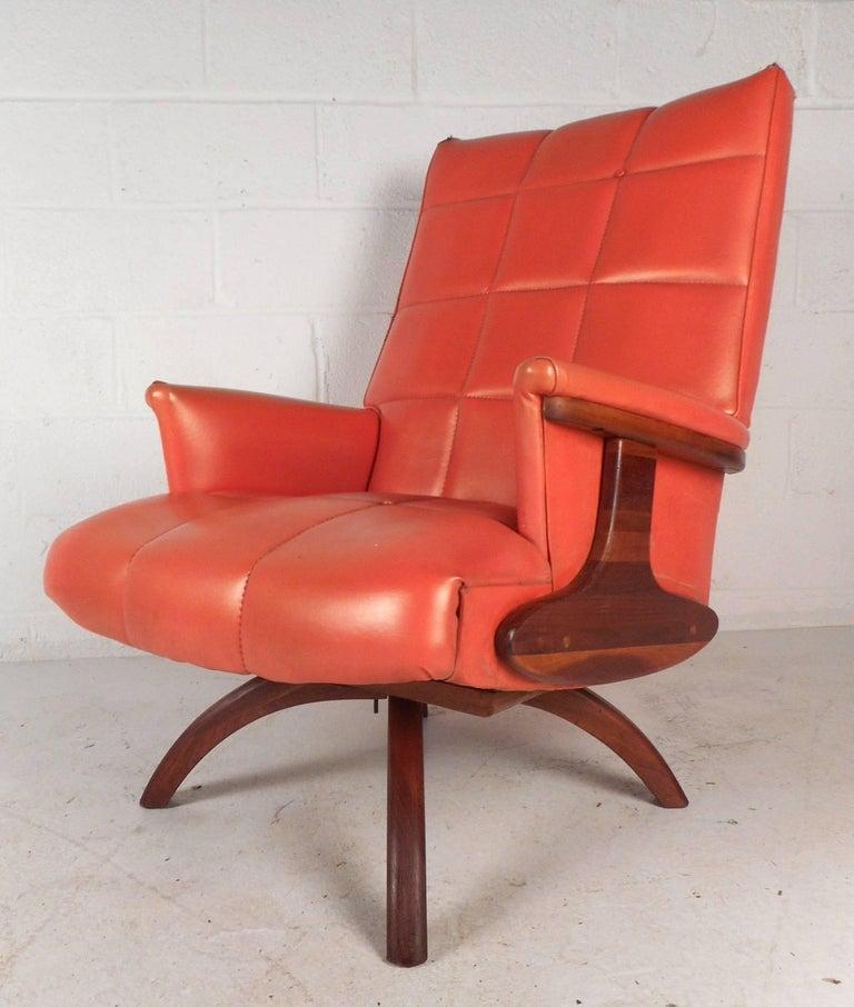 Mid Century Modern Heywood Wakefield Style Swivel Lounge
