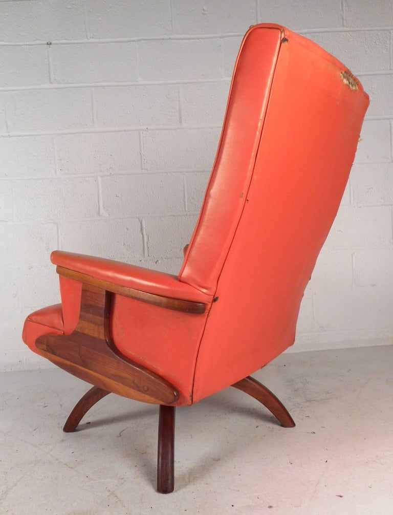 mid century modern heywood wakefield style swivel lounge chair and ottoman for sale at 1stdibs. Black Bedroom Furniture Sets. Home Design Ideas