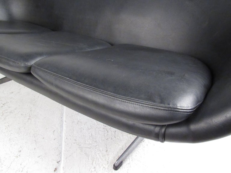 Mid-Century Overman Pod Sofa In Good Condition For Sale In Brooklyn, NY