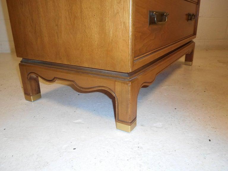 Mid-Century Modern Walnut High Boy Dresser For Sale 3