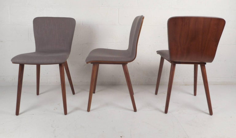 This Stunning Set Of Six Mid Century Modern Style Dining Chairs Feature Upholstered Seating With