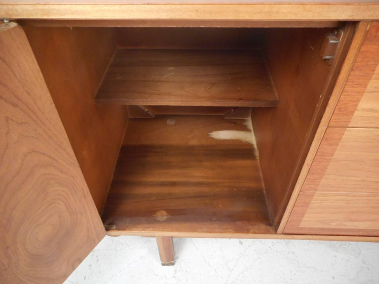 Small Mid-Century Modern Credenza For Sale 2