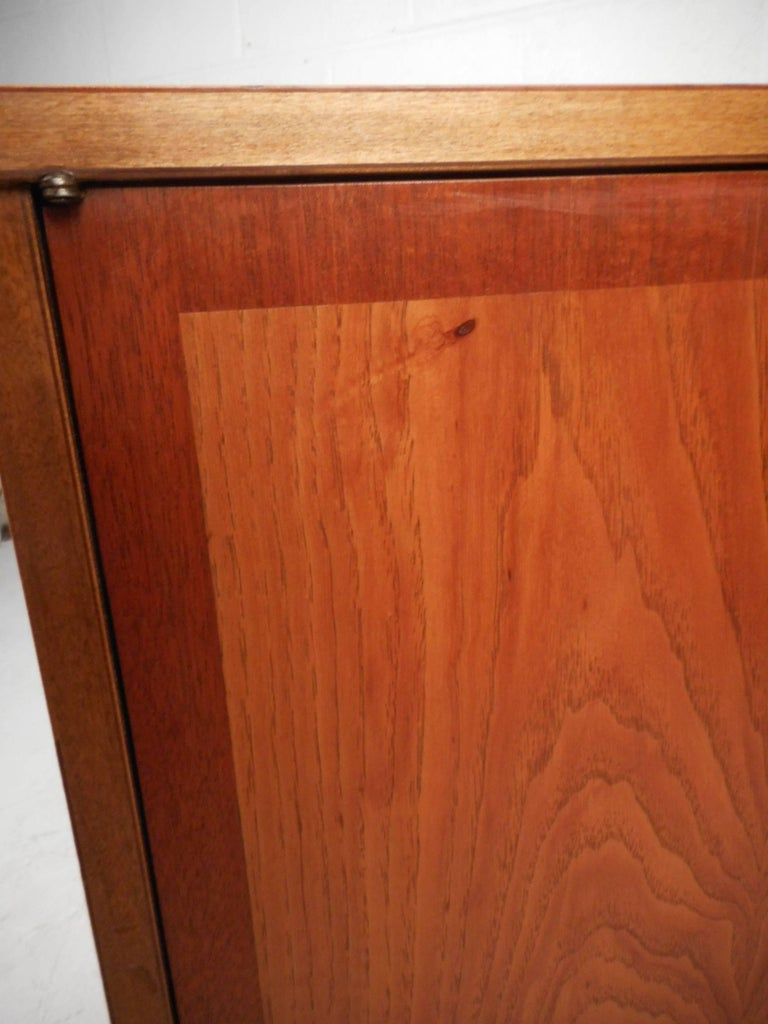 Small Mid-Century Modern Credenza For Sale 3