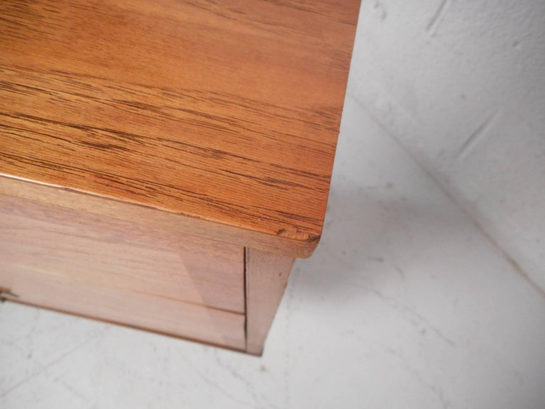 Small Mid-Century Modern Credenza For Sale 4