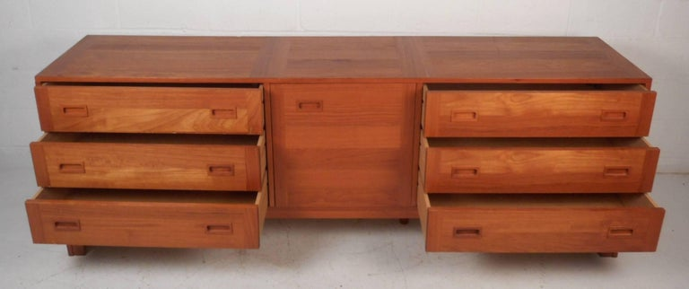 Large Mid-Century Modern Danish Teak Credenza In Good Condition For Sale In Brooklyn, NY