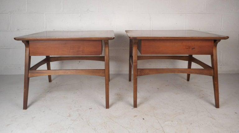 Mid Century Modern Walnut Nightstands For Sale At 1stdibs