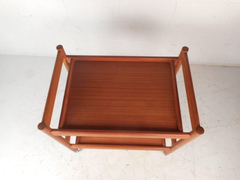 Mid-Century Modern Teak Bar Cart In Good Condition For Sale In Brooklyn, NY