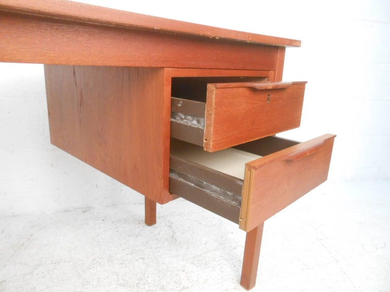 Mid-Century Modern Danish Teak Desk For Sale 2