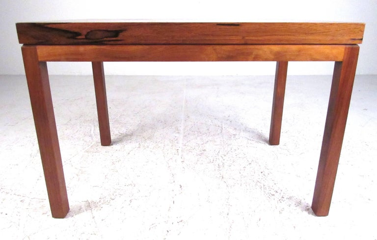 Mid-Century Modern Milo Baughman for Thayer Coggin Rosewood Side Table For Sale