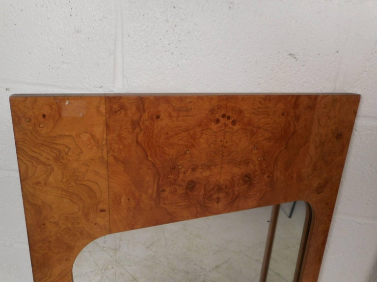 Pair of Mid-Century Modern Burl Mirrors by Lane Furniture In Good Condition For Sale In Brooklyn, NY