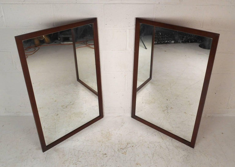Mid-Century Modern Walnut Bedroom Set by United Furniture Co In Good Condition For Sale In Brooklyn, NY
