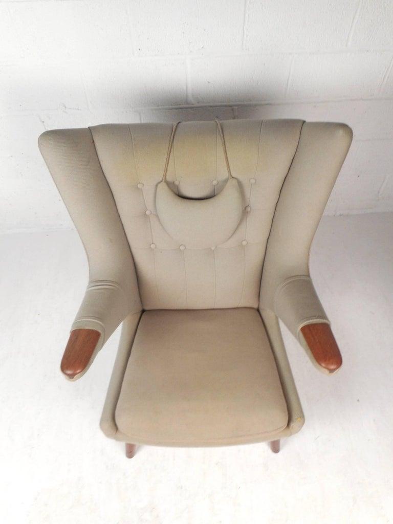 Late 20th Century Mid-Century Modern Papa Bear Lounge Chair by Hans J Wegner