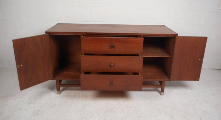 Petite Mid-Century Modern Walnut Credenza by Stanley Furniture In Good Condition For Sale In Brooklyn, NY