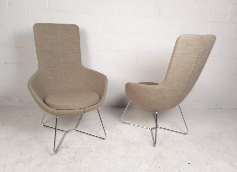 20th Century Pair of Mid-Century Style High back Lounge Chairs For Sale