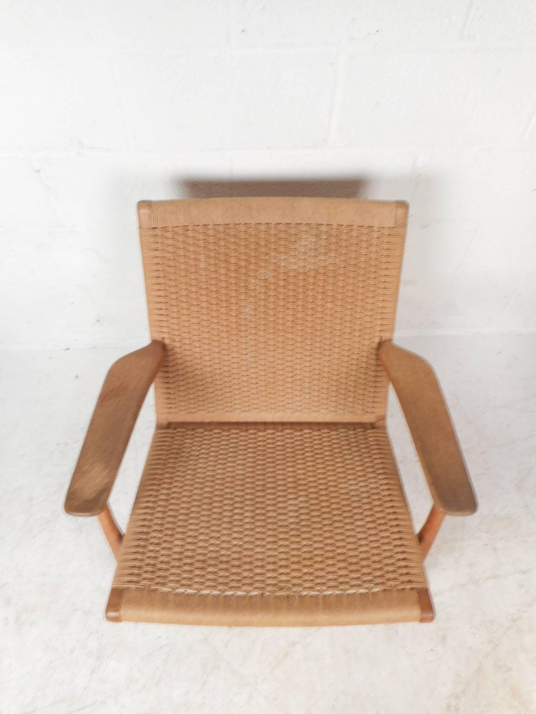 Mid-20th Century Mid-Century Modern CH 25 Lounge Chair by Hans Wegner for Carl Hansen For Sale