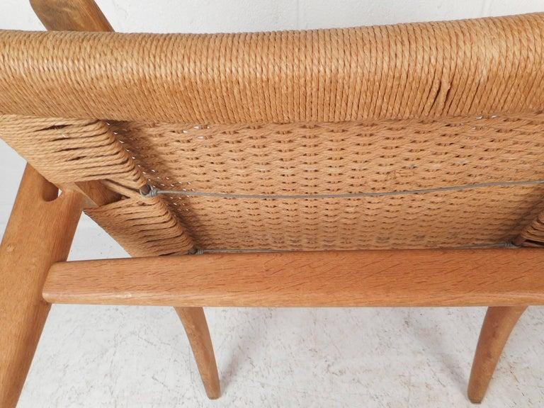 Mid-Century Modern CH 25 Lounge Chair by Hans Wegner for Carl Hansen For Sale 3