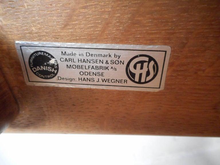 Mid-Century Modern CH 25 Lounge Chair by Hans Wegner for Carl Hansen For Sale 1