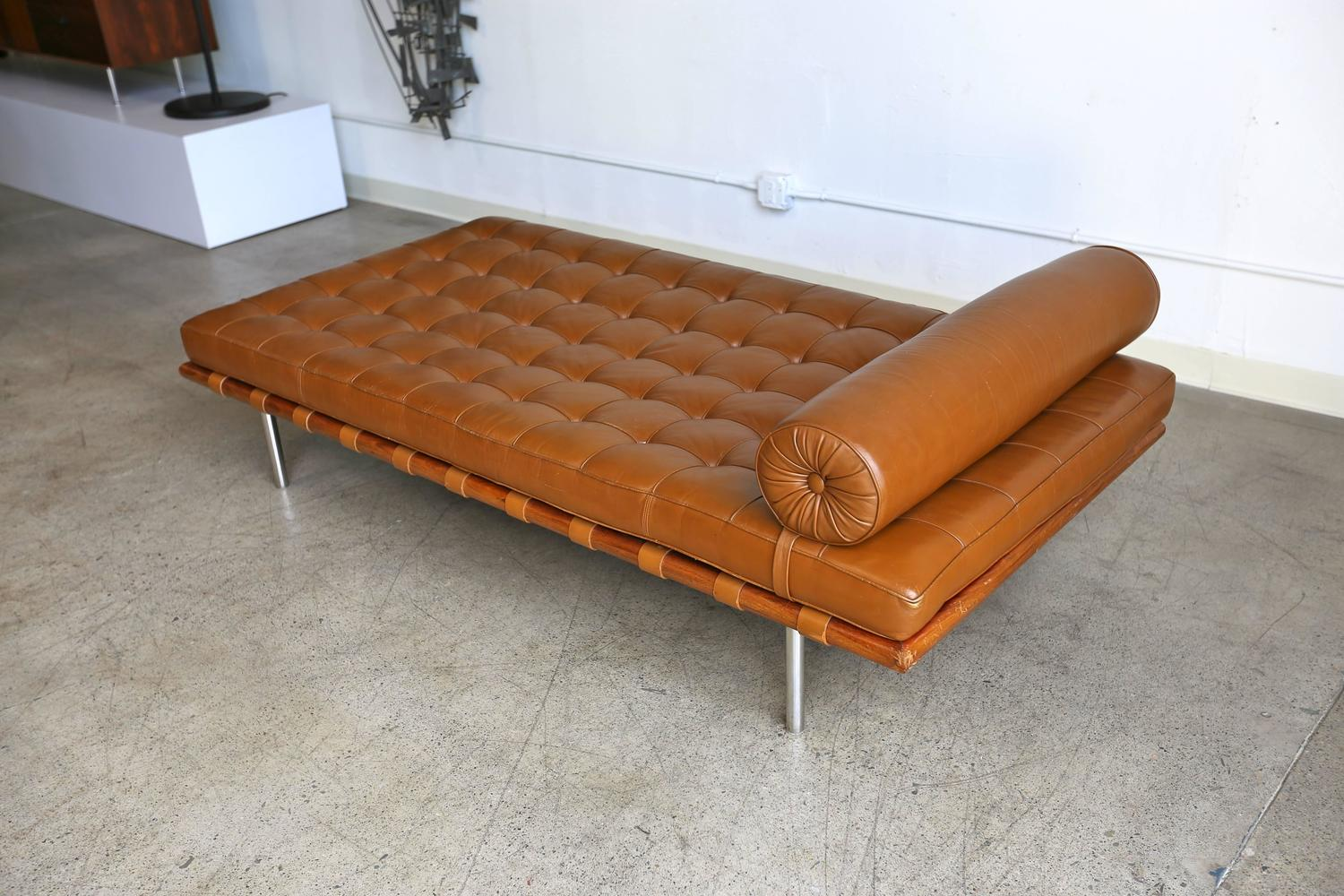 rosewood and leather barcelona daybed by ludwig mies van der rohe at 1stdibs. Black Bedroom Furniture Sets. Home Design Ideas
