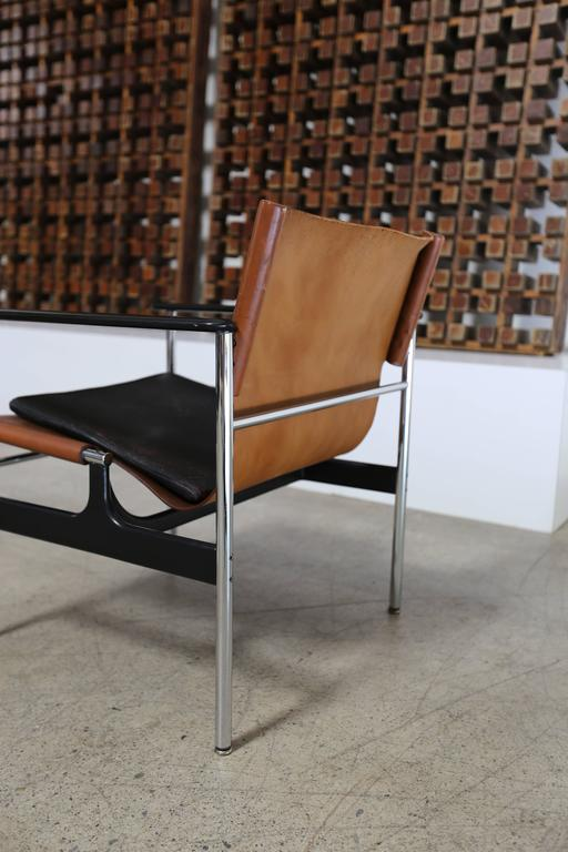 Mid-Century Modern Pair of Lounge Chairs by Charles Pollock for Knoll For Sale