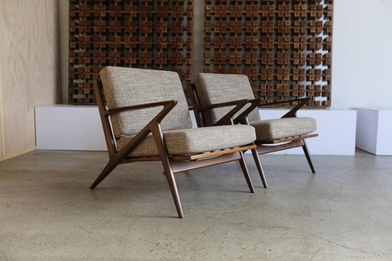 Pair Of Z Chairs By Poul Jensen For Selig For Sale At 1stdibs