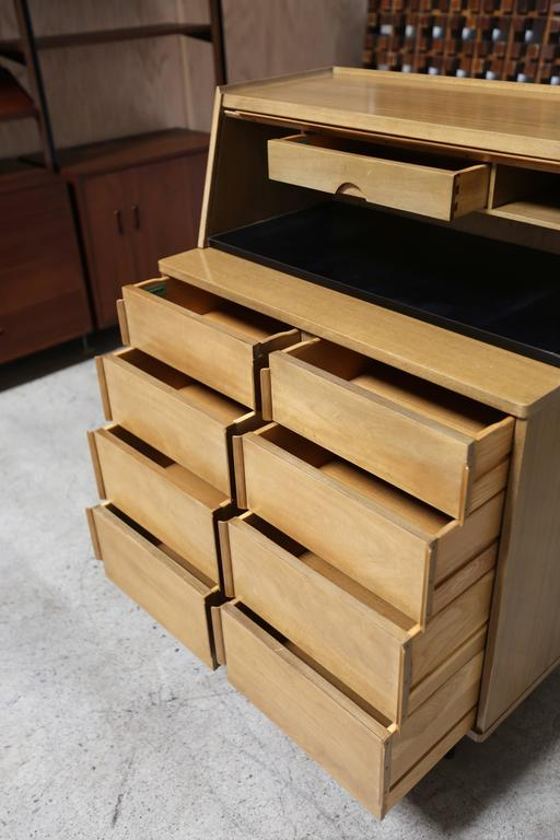 Chest of Drawers by Edward Wormley for Dunbar In Good Condition For Sale In Costa Mesa, CA