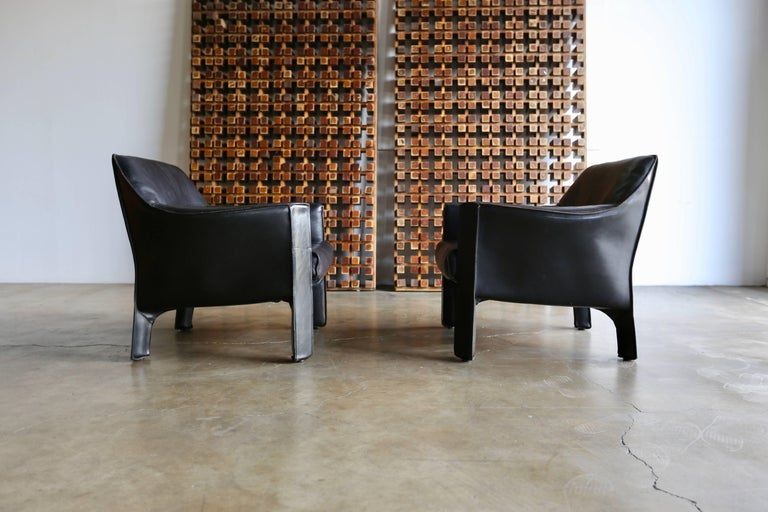 Pair of Large CAB Lounge Chairs by Mario Bellini for Cassina For Sale 2