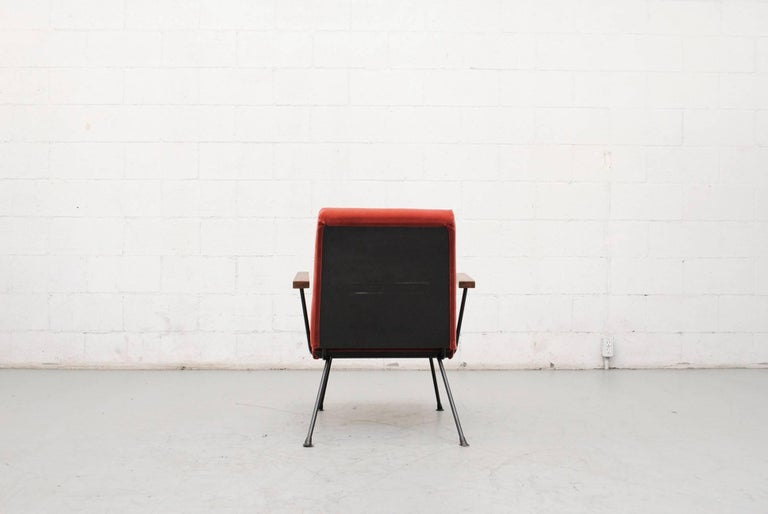 Gispen 1409 Velvet Armchair In Good Condition For Sale In Los Angeles, CA