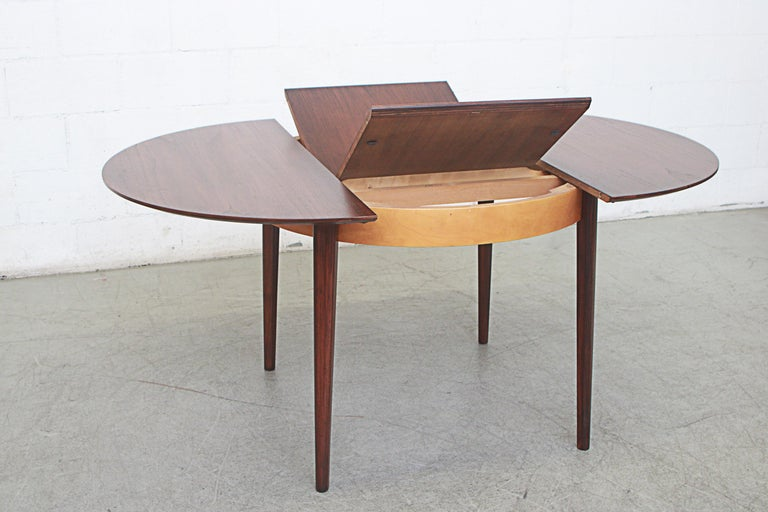 Cees Braakman for Pastoe Round Teak Dining Table In Good Condition For Sale In Los Angeles, CA