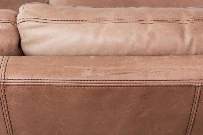 Massive Leather Sofa by Molinari For Sale 1