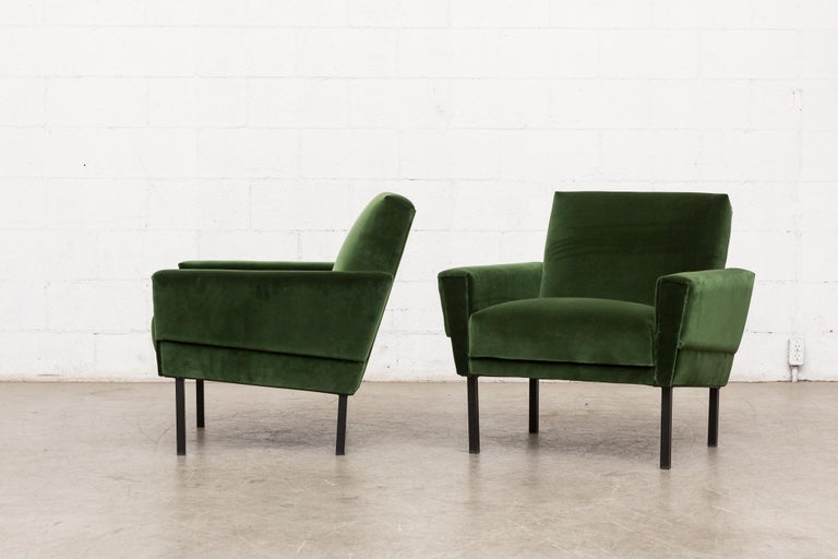 Mid-Century Modern Pair of 'Mad Men' Style Lounge Chairs For Sale