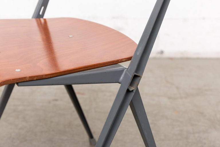 Rare Set of 4 Rietveld ''Pyramid'' Chairs for Ahrend the Cirkel For Sale 6