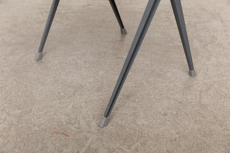 Rare Set of 4 Rietveld ''Pyramid'' Chairs for Ahrend the Cirkel For Sale 9