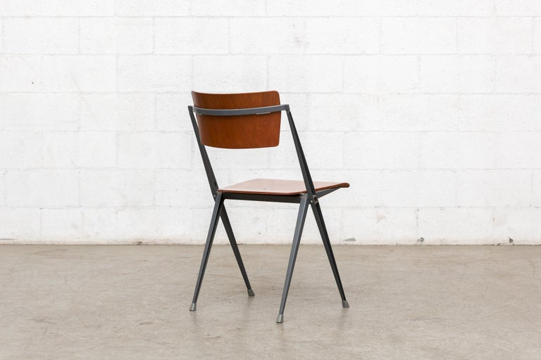 Rare Set of 4 Rietveld ''Pyramid'' Chairs for Ahrend the Cirkel For Sale 1