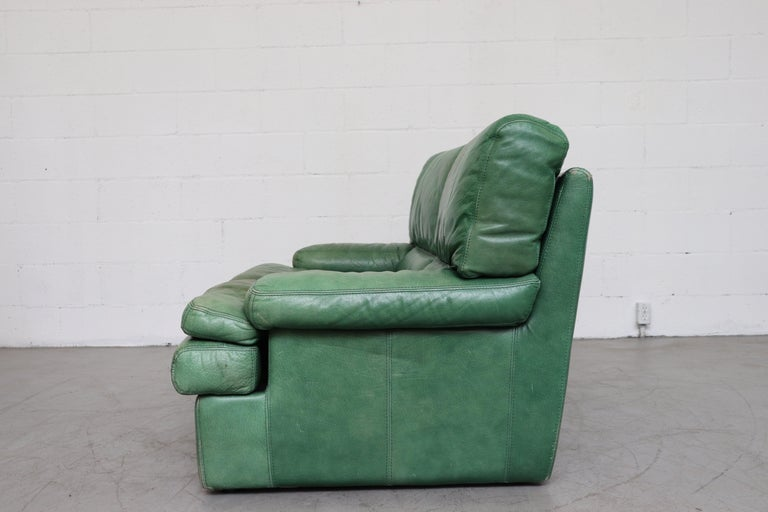 Mid-Century Modern Kelly Green Leather Love Seat Sofa For Sale