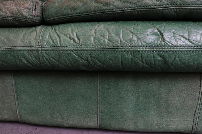 Kelly Green Leather Love Seat Sofa For Sale 6