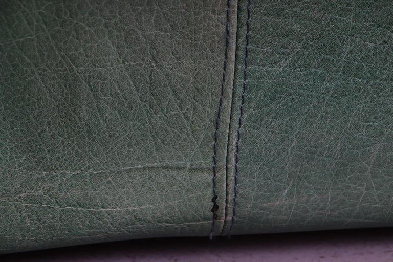 Kelly Green Leather Love Seat Sofa For Sale 7