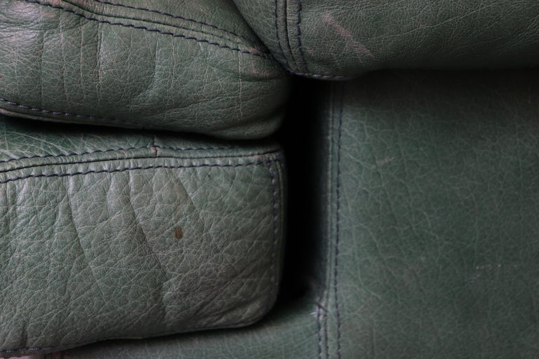 Kelly Green Leather Love Seat Sofa For Sale 10