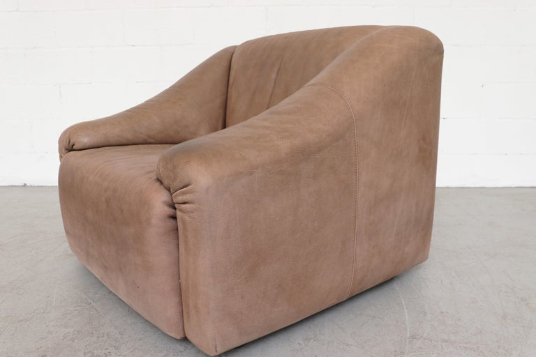 Pair Of Leolux Light Brown Buffalo Leather Lounge Chairs For 4